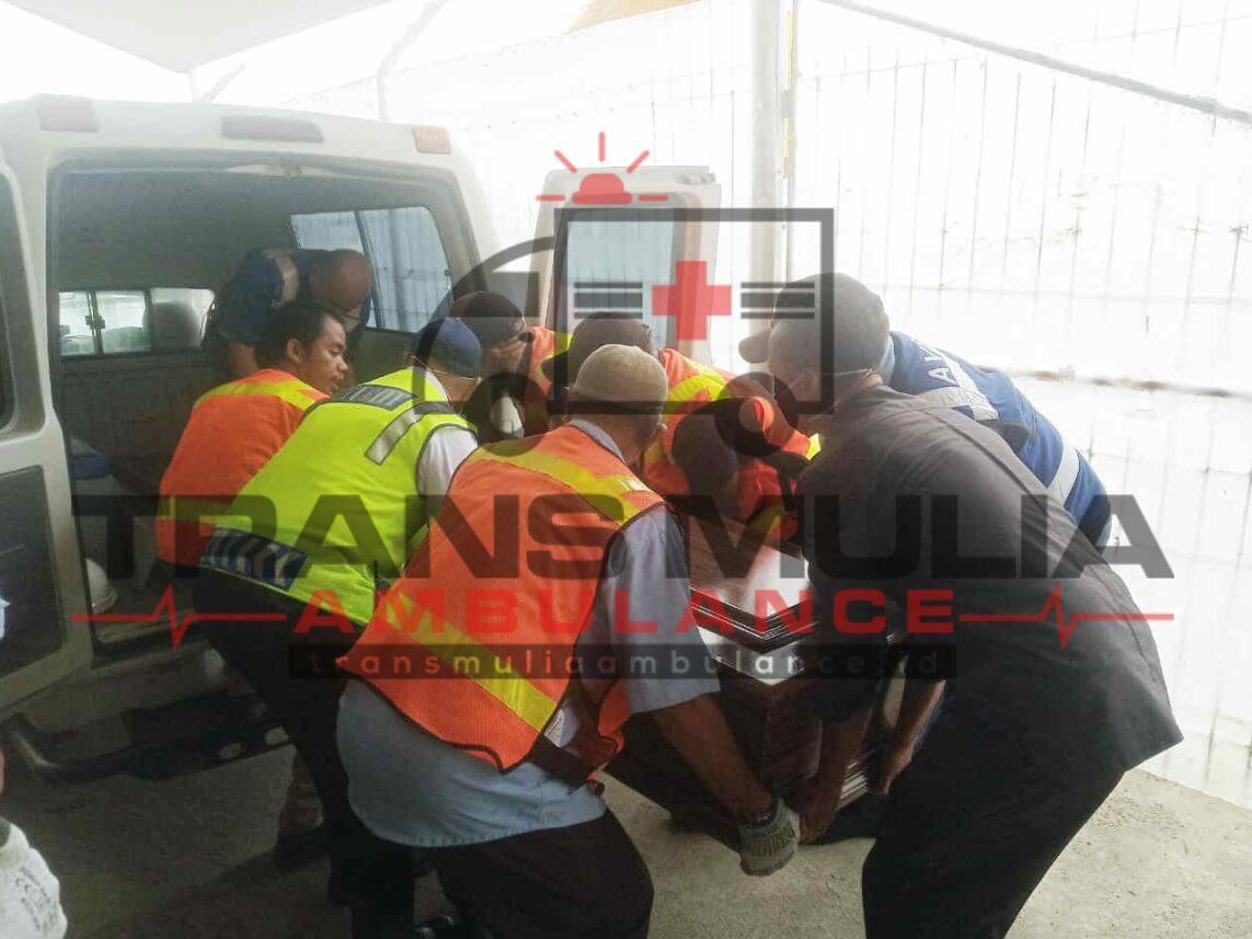 Mobil Ambulance Peti Jenazah